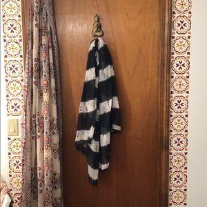 Accessories - Flowy striped scarf with Pom Poms